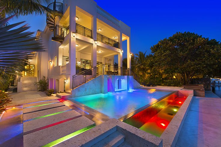 LeBron's Contemporary Mansion in Miami | Awesome pool!