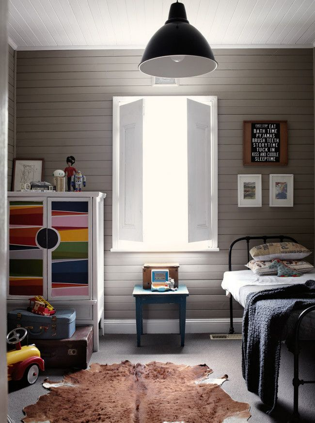 Wentworth Falls cottage image 10  Love colour of walls and that multicoloured cabinet.. the bed is gorgeous to. Love the whole room!