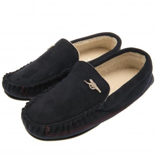 Luxurious Arsenal FC moccasins to fit shoe size 7/8 in navy, with a luxury soft insole and featuring a metal club crest badge. FREE DELIVERY on all of our gifts