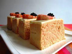 ¿Quieres tomar algo delicioso para estos días de verano?. Prepara un delicioso pastel de pescado y langostinos