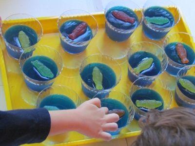 Making squishy fishy aquariums in preschool | Teach Preschool