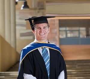 Wallabies great Tim Horan will don another cap this Saturday (11 October) when he graduates from his Executive MBA at Bond University, as class valedictorian.