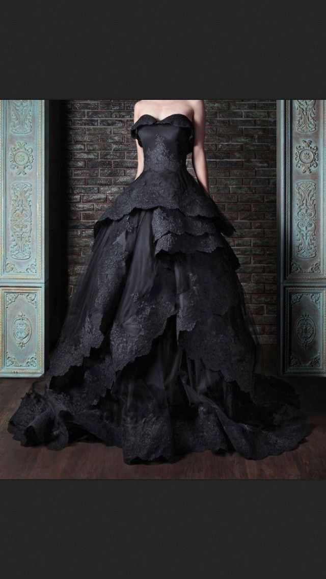 Fabulous clothes for the sophisticated Witch