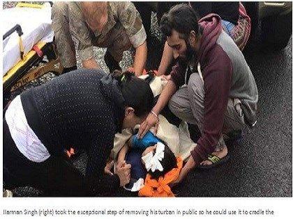 Giovane sikh si toglie il turbante per soccorrere il bambino ferito - Yahoo Notizie Italia