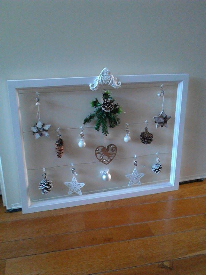 open frame met kersthangers wit