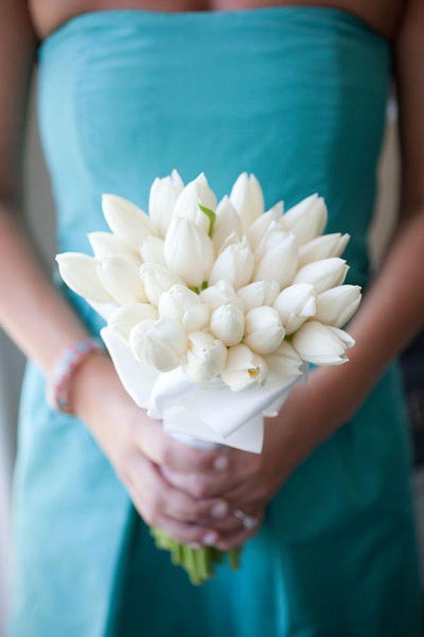 closed white tulip bouquet