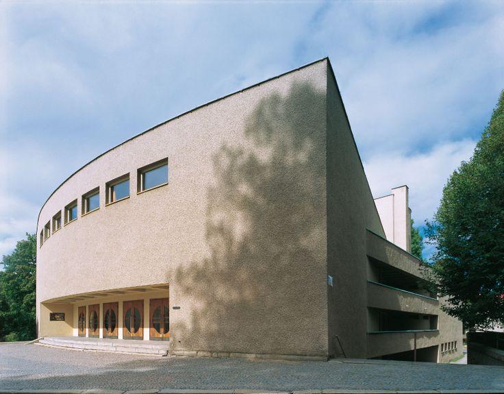 Roškotovo divadlo ulice Husova 1062, Ústí nad Orlicí autor: Kamil Roškot realizace: 1935 - 1936