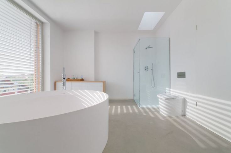 #RogersWinterWhites  White bathroom.