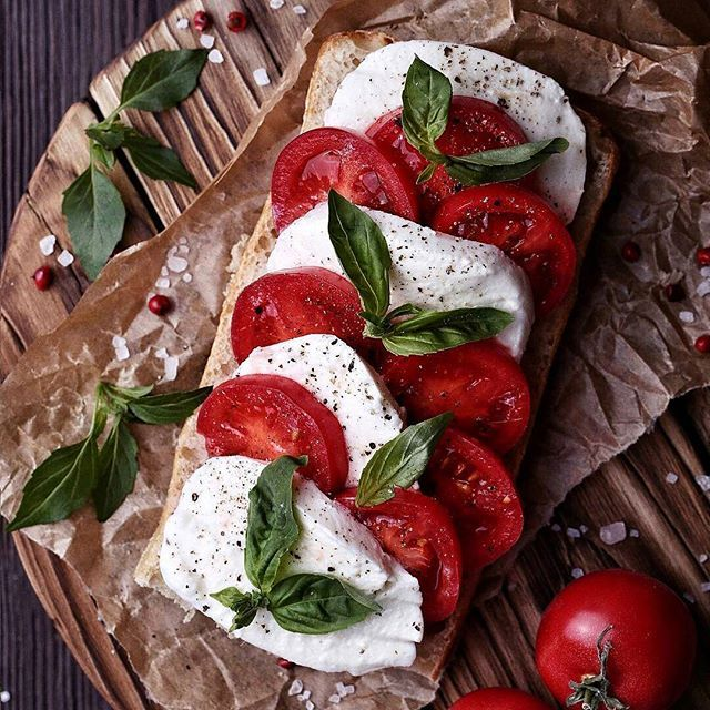 Friday toast with mozzarella, tomato, basil, salt and pepper ❤ By @azourabova  #toastsforall #homemadeishappiness #feedfeed #vsco #vscocam #f52grams #foodandwine #beautifulcuisines #huffposttaste #thatsdarling #hautecuisines #foods4thought #eattheworld #gatheringslikethese #heresmyfood #foodporn #yahoofood #thisisfall #rslove #comfortfood #liveauthentic #eathealthy #saveurmag #tastingtable #eatlocal #cookcl #nutrition #eater #cookmagazine #vzcomade
