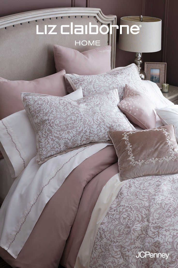 The Most Inviting Beds Have One Thing In Common Lots Of Pillows Not Sure How To Pull Off This Luxurious Look Prop Solid Bed Luxury Bedding Sets Modern Bed