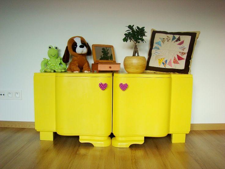 veselá art deco komoda pre deti, maľovaný nábytok