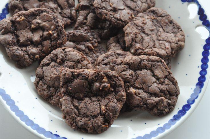 Cookies med chokolade og hasselnødder - nemme og sprøde