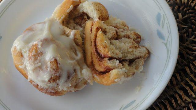 A Peek into My Kitchen: Eggless Cinnamon Rolls