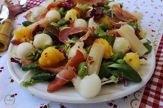 Ensalada variada de jamón y melón.  Hoy vengo con una ensalada que a los que os gusten las ensaladas esta os encantará!! el melón Galia lo encontré pero la frutera me dijo q...