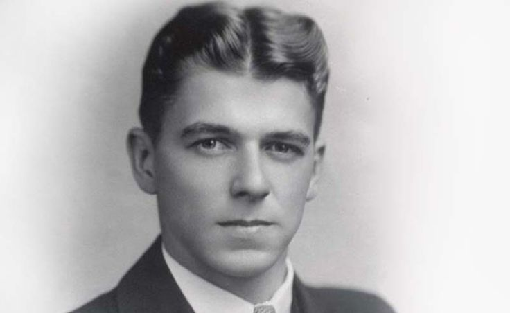 Ronald Reagan--sure was a handsome young man!