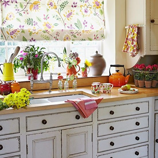 Classic Shaker kitchen | Country kitchen design ideas | Decorating | housetohome.co.uk