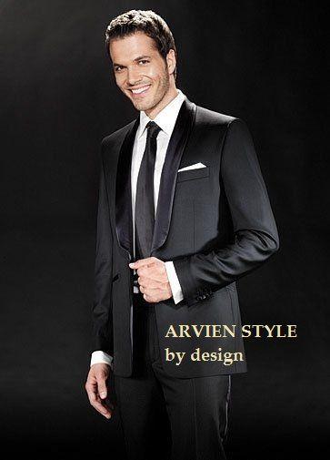 kombinasi dari sebuah model desainer ternama dalam menciptakan setelan jas pria elegan yang modern eksklusif seperti tuxedo