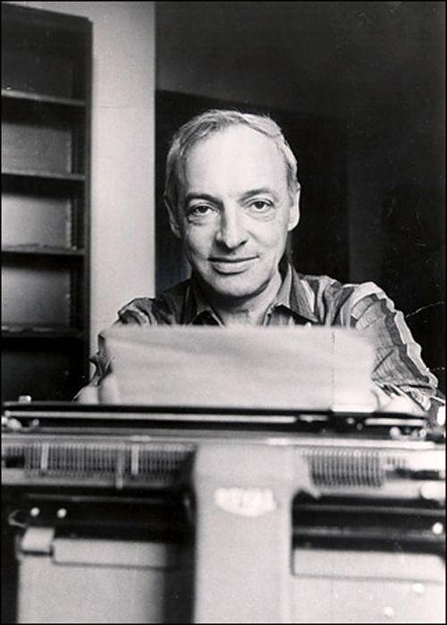 Bellow typewriter
