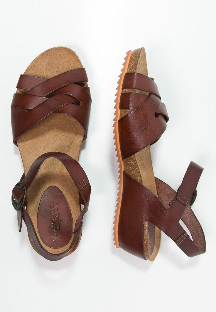 Femme Kickers TOKA - Sandales compensées - dark brown marron foncé: 70,00 € chez Zalando (au 29/03/16). Livraison et retours gratuits et service client gratuit au 0800 740 357.
