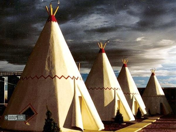 Wigwam Motel Arizona. – The Wigwam Motel was originally part of a chain of 7 wigwam villages, of which only 3 now remain. This group of 15 teepees have a diameter of 14 feet at the base and a height of 32 feet.They look authentic and have been welcoming guests since the 1950′s. The Wigwam Motel was listed on the National Register of Historic Places on May 2, 2002.