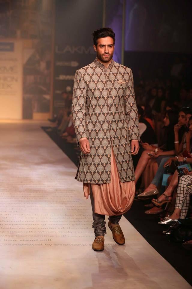 Shantanu & Nikhil Lakme Fashion Week Summer 2014 peach sherwani. More here: http://www.indianweddingsite.com/shantanu-nikhil-lakme-fashion-week-summer-resort-2014/