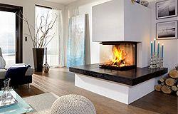 """Ein sehr beliebter Kaminofen aus unserem Sortiment: Modell Mackenzie, Glasur """"Palude"""" Dreiseitiger Feuergenuss trifft fühlbare, fließende Oberflächenstruktur. Erfahren Sie mehr über unsere Öfen und besuchen Sie unsere Homepage: http://salza-ofen.de/"""