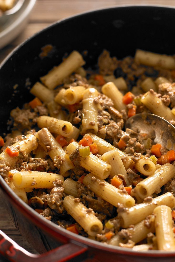 White Bolognese A Meat Sauce Made Without Tomato But With Heavy Cream And A Combination Of Ground Beef And Sausage Is A Variat Pasta Dishes Rigatoni Recipes
