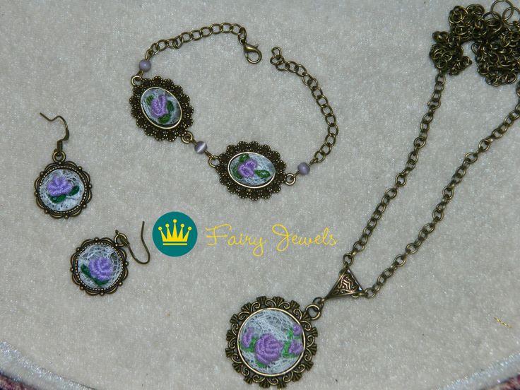 Handmade necklace, earrings and bracelet.