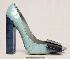 Beautiful Shoe but we all know that this is not going to be comfortable at all!! Louis Vuitton Beauty pumps