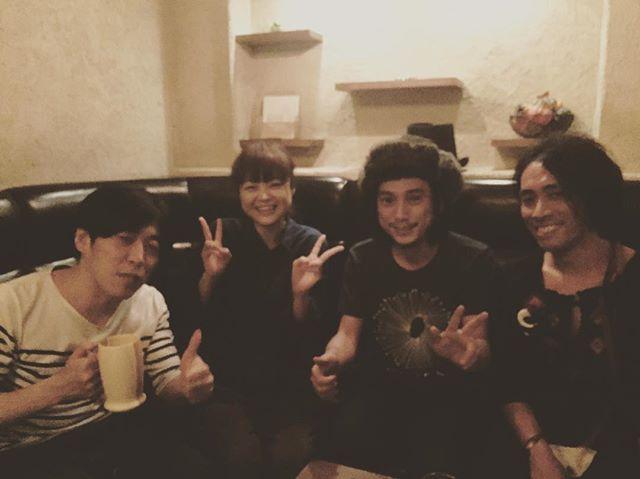 誕生祭無事終了、シュンスケさんと弓木ちゃんと亀田くんとw ありがとうございました、ただただたのしかったです。