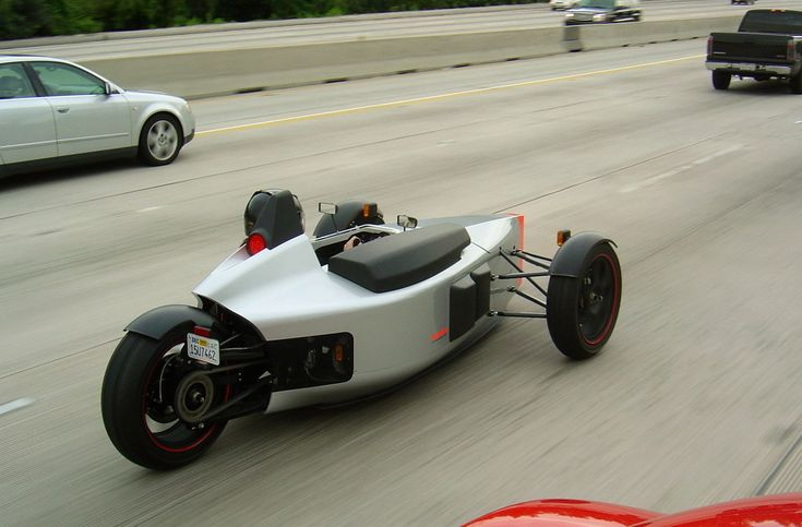SUB 3 Wheeler - Motorcycle Technology with Single Seater Driving Experience