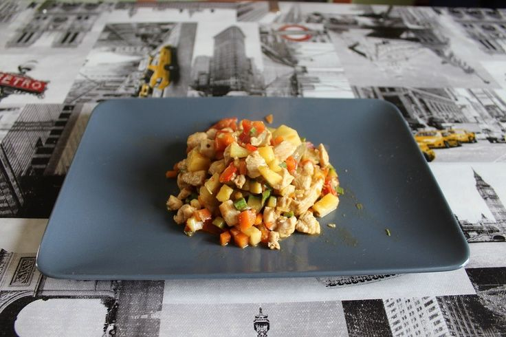 Pollo all'ananas in stile cinese