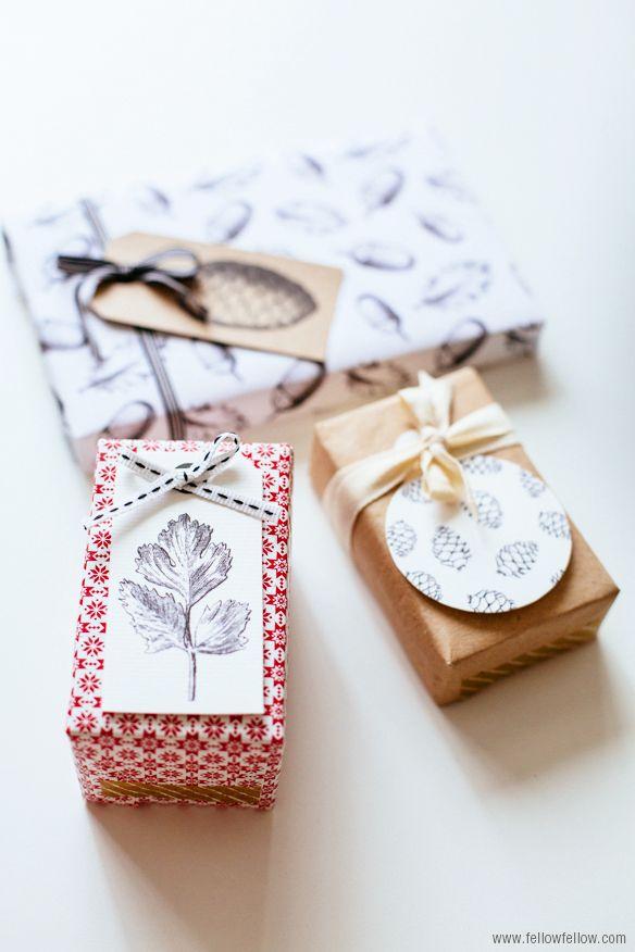DIY - Christmas Gift Tags - Free PDF Printable via fellow fellow