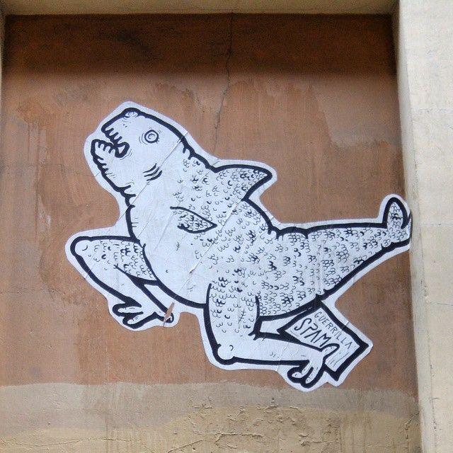 Veo monstruos por todas partes! Guerrilla Spam #valencia #guerrillaspam #arteportodaspartes #artwork #arteurbano #streetart #street #valenciatienemas #graffity #graffiti #paseandoporlaciudad #art #calle #monstruos