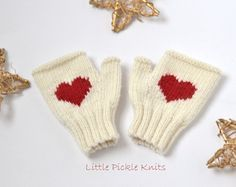 BABY KNITTING PATTERNS baby mittens Little by littlepickleknits