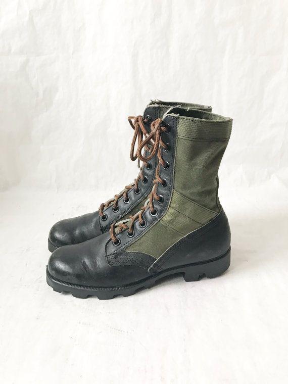 Vintage Military Desert Combat Boots. size 9 women's .