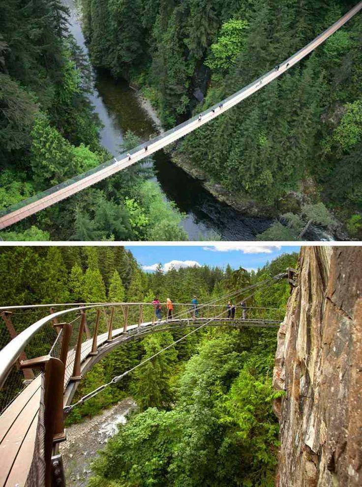 pont suspendu de Capilano à Vancouver-Nord dans un canyon