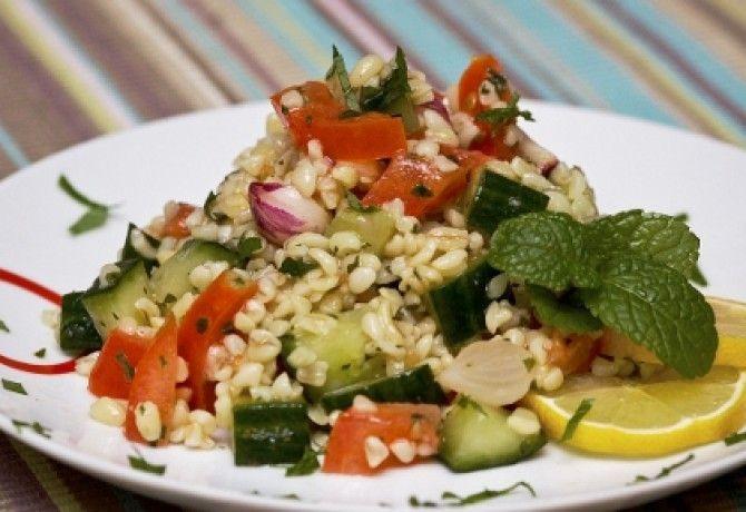 Libanoni zöldséges bulgur recept képpel. Hozzávalók és az elkészítés részletes leírása. A libanoni zöldséges bulgur elkészítési ideje: 40 perc