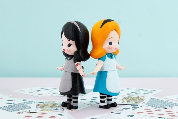 3D printed art toy!! Alice in Wonderland. And say hello to Alice in black! We respect your style, Alice in black ;D It is so cute and adorable customized Alice with Radon DIY coloring Kit :D #Arttoy #3Dprinting #DIY #Coloring #littleprince #RADON #Hobby #Alice # Alinceinwonderland #Redhood #cute #color #black