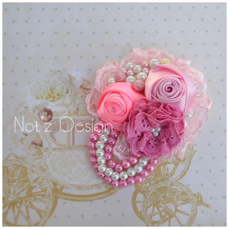 fabric flower brooch , code : KS9 , order --->> line: notzdesign , WA : +6282174424949