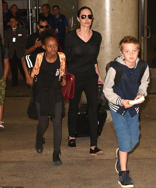 Nuevas fotos de la hija de Angelina Jolie y Brad Pitt vestida como varón