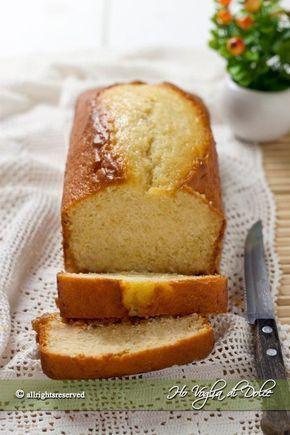 Plum cake soffice allo yogurt. Dolce morbido per la colazione e la merenda dei bambini. Un plumcake con yogurt facile da preparare e buonissimo.