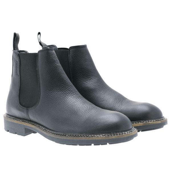 Black leather boots from Noodles