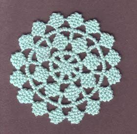 Puncetto valsesiano svojí podstatou umožňuje vytváření vzorů komponovaných především do čtverců, obdélníků, kosočtverců... no prostě vš...