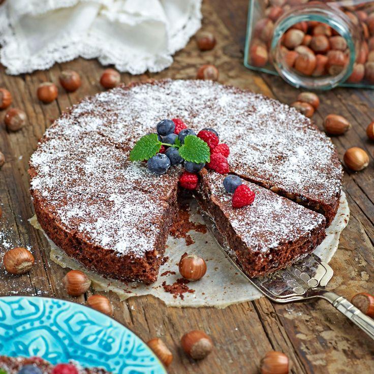 Glutenfri hasselnötskaka med choklad
