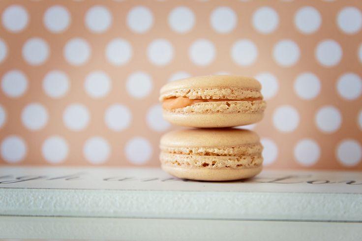 """""""mon MACARON"""" - apricot cream"""