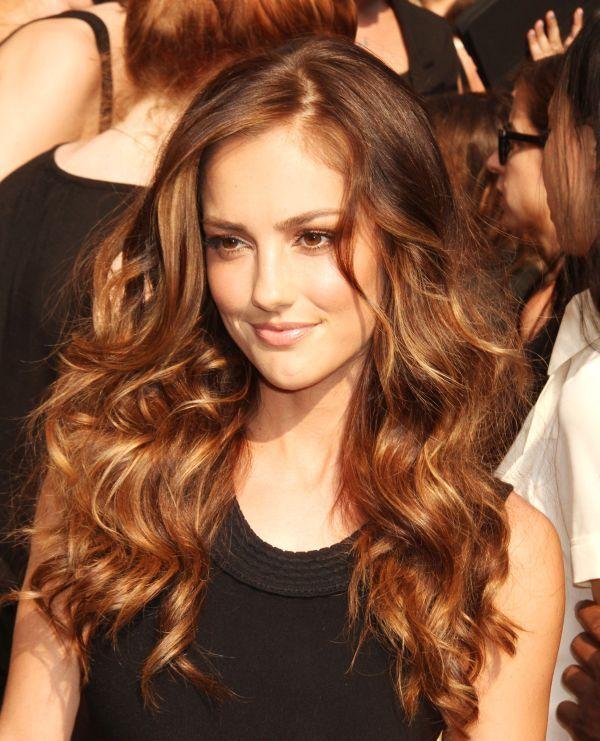 caramel cheveux couleur caramel brun roux funky tresses la mode couleurs coiffures froces bangs coiffures coiffures coloration - Coloration Brun Auburn