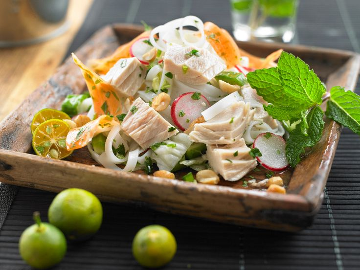 Make Life Easy with this Tuna Vietnamese-Style Rice Noodle Salad recipe! LIKE us at https://www.facebook.com/goldseal #PinToWin #NoDrainer #MakeLifeEasy