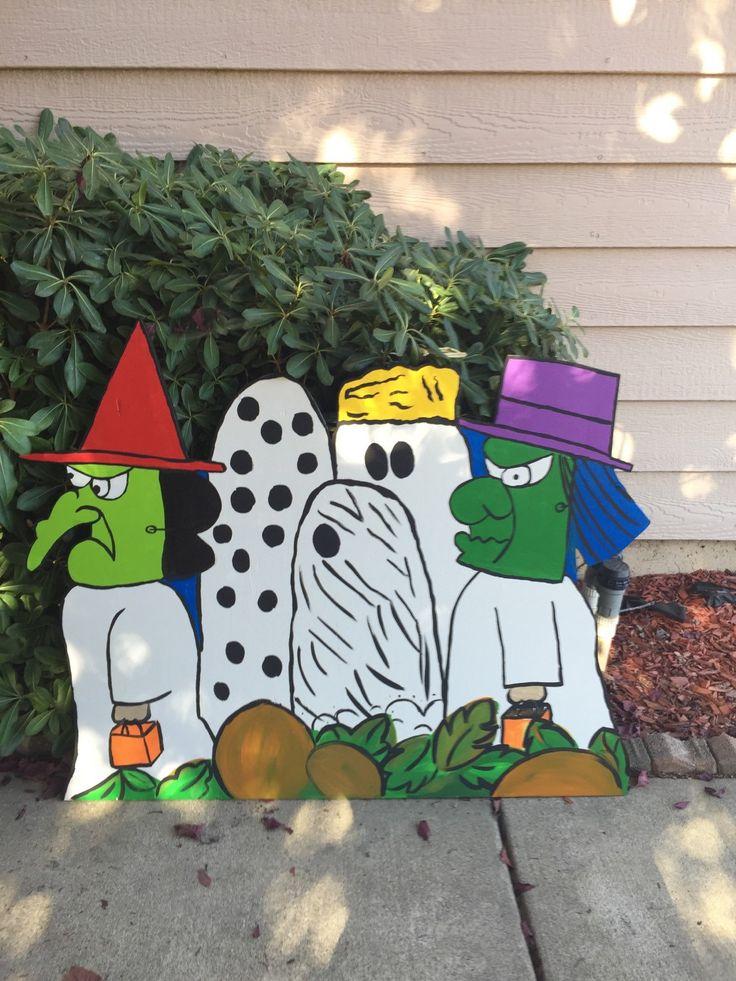 Charlie Brown Halloween- Peanuts Halloween- Snoopy Halloween- Halloween Cutout- Wood cutout Charlie Brown- Halloween Yard Decor- Handmade by CreativChick on Etsy https://www.etsy.com/listing/244200419/charlie-brown-halloween-peanuts