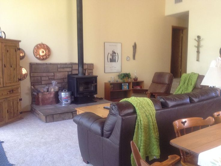4-NIGHT MIN. :( Flagstaff cabin rental - Relax by the fire, watch a movie or simply enjoy the lovely view of the pines. 3 br $200 Munds Park